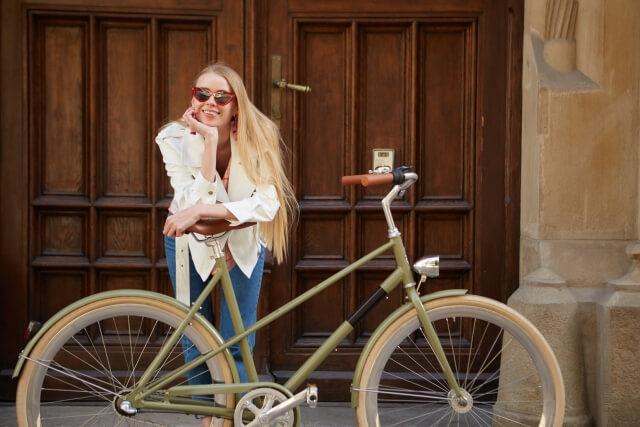 fashonable bicycle lady